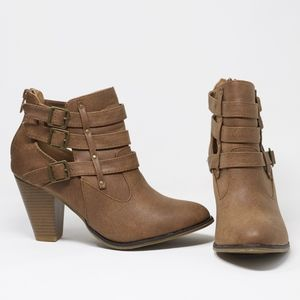 NEW! Forever | Women's Buckle Strap Ankle Bootie